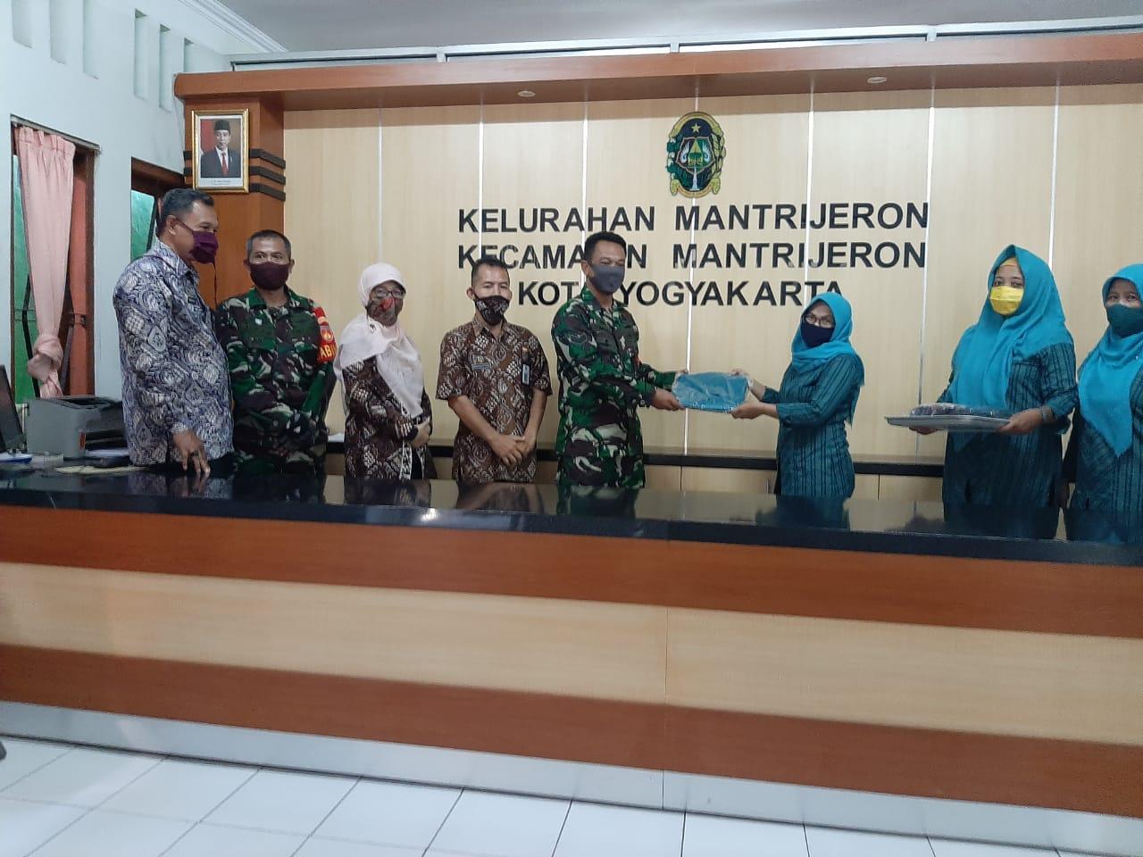 Partisipasi  PKK Kelurahan Mantrijeron dalam  Penanggulangan Covid 19.